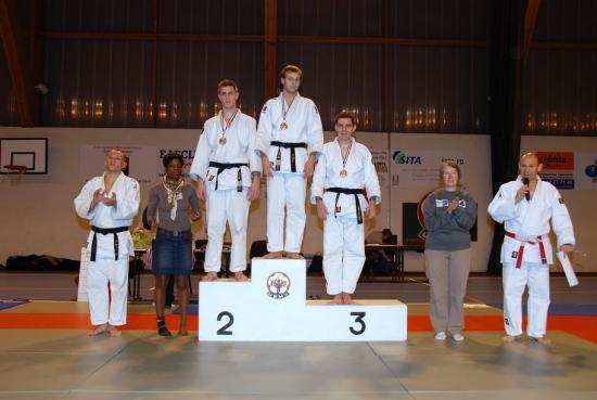 podium sénior ceinture noire -81kg